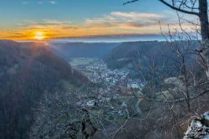Blick vom Sophienfelsen über das Lenninger Tal